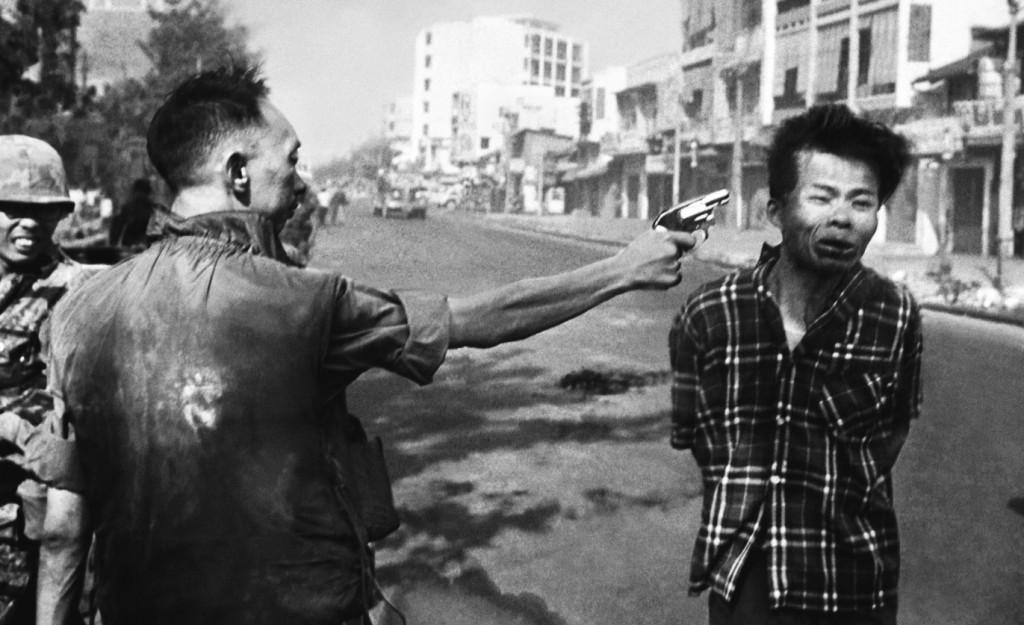 """""""Saigon Execution"""" Foto van Eddie Adams voor AP, 1 februari 1968."""